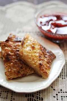 Homemade Buttered Crumpets with Jam Tea Tea Recipes, Breakfast Recipes, Ash Recipe, Homemade Crumpets, Traditional Bread Recipe, Tea And Crumpets, Me Time, High Tea, Chocolate