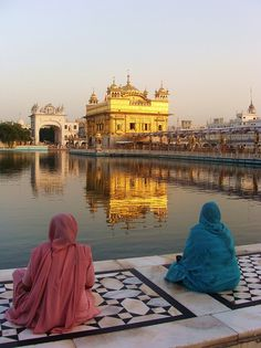 Amritsar le temple d'or (punjab) - I visited this temple well I was in India. This is a really nice temple and I would like to visit it again.