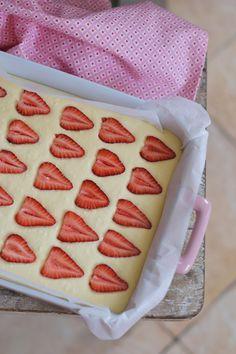 Ötperces túrós eperrel | Rupáner-konyha Sweet Desserts, Nutella, Cupcake, Muffin, Food Porn, Cooking, Recipes, Food Energy, Potatoes