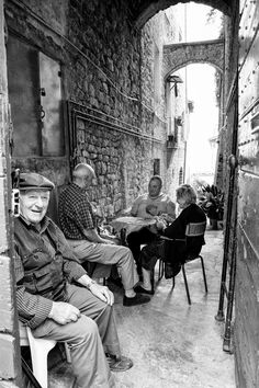 Playing cards in Todi