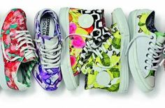 New products : Converse And Isolda Join Forces On Brazilian Print Sneaker Collection Floral Sneakers, High Top Sneakers, Shoes Sneakers, Converse Photography, Formal Attire For Men, Killer Heels, Chuck Taylor Sneakers, Running Shoes, Shoe Boots