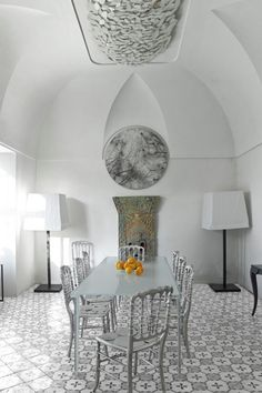 Jorge Cañete is the perfect example of a person who has a multicultural background. Having a unique career in luxury products aligned with a sharp sense of beauty, thanks to his talents for interior design manifested through 3D, he definitely managed to make a mart within the industry thanks to both his talent and his philosophy.