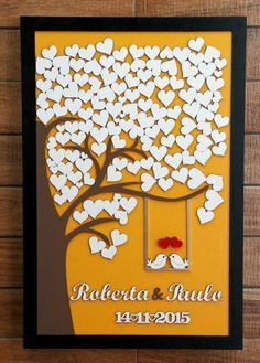 Que tal uma árvore de assinaturas diferente?  Em madeira!    Depois do casamento você pode usar como um quadro para decoração na casa. Legal, né?  Sugerimos que sempre se faça um coração por casal. Se tiver 300 convidados, por exemplo, faça com 150 corações para fotógrafo e cerimonialista poder a...