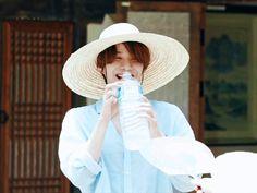 Jung Woo, Nct, Cowboy Hats, How Are You Feeling, King, Fashion, Moda, Fashion Styles, Fashion Illustrations