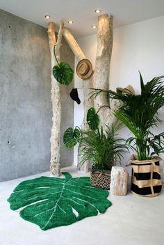 Tropical Green Monstera Leaf x Area Rug Deco Zen, Deco Nature, Tropical Colors, Tropical Decor, Style Tropical, Tropical Furniture, Tropical Interior, Lorena Canals Teppich, Deco Jungle