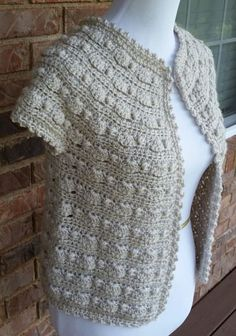 I have another free crochet pattern for you today - the Beachcomber Crochet Cardigan! This cardigan is crocheted from the top down and requires no buttons. Crochet Cardigan Pattern, Crochet Jacket, Crochet Blouse, Crochet Scarves, Crochet Shawl, Crochet Yarn, Crochet Clothes, Diy Blouse, Crochet Sweaters