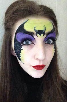 Maleficent Face paint #facepaint #makeup #smudgesfacepainting #maleficent #maleficentmakeup #maleficentfacepaint #olgamelecca #Disney #sleepingbeauty