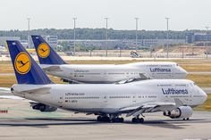 Lufthansa Boeing (registered D-ABVN) taxiing at Frankfurt - DolyDoly 747 Airplane, Airplane Flying, Boeing 747 8, Boeing Aircraft, German Airlines, Northwest Airlines, Airplane Photography, Jumbo Jet, Commercial Aircraft