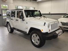2011-White-Jeep-Wrangler-Unlimited-Sahara