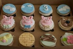 Three little pigs cupcakes - Holland Cakes