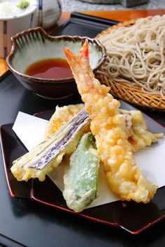 Tempura is also from Japanese cuisine, shrimp is the popular star for this food, but some also use vegetable for tempura! Japanese Dishes, Japanese Food, Japanese Kitchen, Gula, My Favorite Food, Asian Recipes, Love Food, Food Porn, Gastronomia