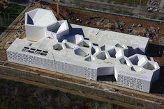 Concrete JA+U : Contemporary Art Center Cordoba by Nieto Sobejano Arquitectos A As Architecture, Parametric Architecture, Contemporary Architecture, Contemporary Art, Gropius Bau, Arch Model, Modern Buildings, Installation Art, Exterior Design