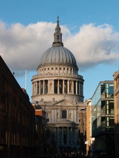 St Paul's Cathedral, London - Two Feet, One World #stpauls #london #topsights