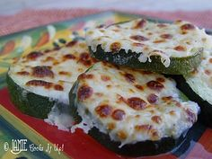 Zucchini with mozarella I Love Food, Good Food, Yummy Food, Yummy Yummy, Tasty, Low Carb Recipes, Cooking Recipes, Healthy Recipes, Healthy Options