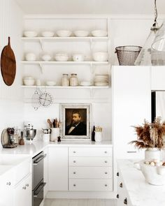 Smal kitchen : Size Does Matter kitchen kitchen layout. kitchen design. Modern Kitchen.