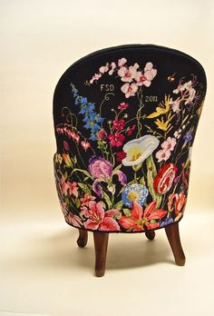 back of Marie Berbar chair. ( incredible floral design on this chair. Funky Furniture, Unique Furniture, Painted Furniture, Furniture Design, Muebles Shabby Chic, Deco Boheme, Painted Chairs, Upholstered Furniture, Handmade Home Decor