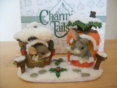"""Fitz & Floyd Charming Tails """"Merry Christmas From Our House To Yours"""" Figurine"""