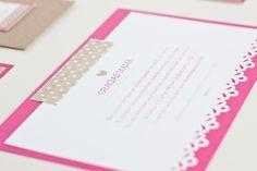 Morestopandthink   Invitación de boda Think in pink craft. Detalles de boda para invitados: etiqueta regalo y etiqueta de vino. Tarjeta de agradecimiento para los invitados más queridos y guía de ceremonia.