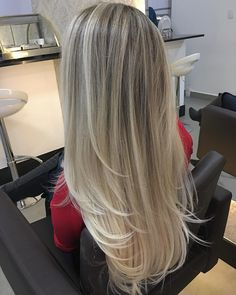 Projeto Along Hair – Recupere em 30 dias Pretty Hairstyles, Straight Hairstyles, Blonde Hair Looks, Trending Haircuts, Light Hair, Blonde Balayage, Hair Hacks, Hair Trends, Dyed Hair