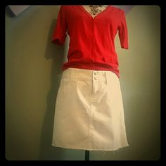 DKNY While denim skirt Short white skirt with large belt loops and frayed bottom. Perfect for summer DKNY Skirts Mini