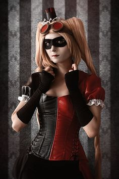 Harley Quinn by LenoreScarecrow.deviantart.com