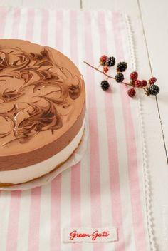 The Sweetest Taste Chocolate Yogurt, Chocolate Cheesecake, Dessert Recipes, Desserts, Cheesecakes, A Food, Fondant, Sweet Treats, Birthday Cake