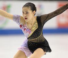 Kanako Murakami took the gold at 2010 Skate America.