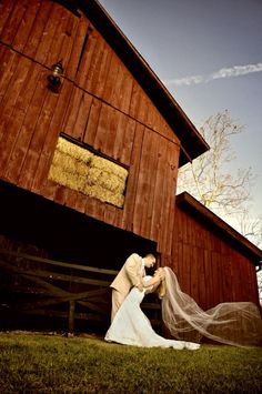 Nashville Wedding Flowers and Wedding Venue   #CedarwoodWeddings #WeddingPhotography #CountryWedding