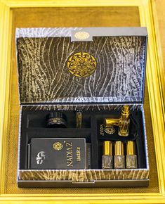 Discover 4 NadiaZ fragrances with this Discovery Box presenting a selection of your choice in delicate 2ml (o.o6 oz) or 4ml (0.13 oz)Mini-Spray bottles perfect to carry with you along . It is a new and playful approach to perfumes, whereby you can live an intense sensorial moment for a special event such as your wedding, a romantic dinner or night or as a thoughtful gift. Discovery Box, Romantic Dinners, Thoughtful Gifts, Spray Bottle, Fragrances, Special Events, Bottles, Decorative Boxes, Delicate