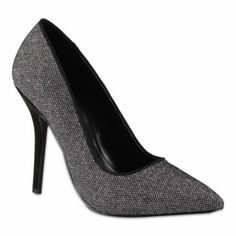 Pointy toe metallic pumps