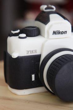 reproducción de una camara Nikon FM2 en fondant