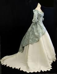 les mis -- a wedding dress, early 19th century.