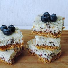 Con estas barritas de cheesecake puedes disfrutar del postre, ¡sin remordimientos! Innové con una corteza diferente, hecha de galletas de arroz.