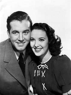 John Payne & Linda Darnell in Star Dust, Hollywood Men, Golden Age Of Hollywood, Classic Hollywood, Hollywood Actresses, John Payne, Alice Faye, Real Movies, Adventure Film, Family Movie Night
