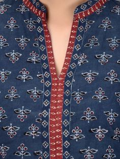 Indigo-Red Dabu-printed Mandarin Collar Cotton Kurta