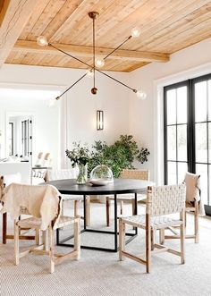 How important is light in your living room? The truth is that you can elevate your living room design by only adding a mid-century chandelier. Lighting is essential for any home, especially when it co Decoration Inspiration, Dining Room Inspiration, Decor Ideas, Color Inspiration, Dining Room Design, Dining Area, Dining Table, Round Dining, Small Dining