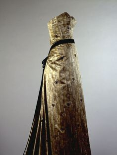This dress was worn by Jacqueline Kennedy in April of 1958 to Paris Ball.