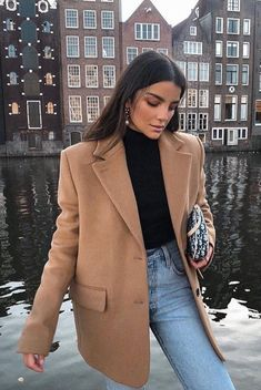 Jeans outfit for work – Street Style Rocks Jeans outfit for work Camel blazer with black turtleneck and jeans Outfit Jeans, Jeans Outfit For Work, Blazer Outfits, Winter Outfits For Work, Jean Outfits, Casual Outfits, Cute Outfits, Work Jeans, Clothes