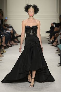 Pin for Later: Marchesa Spring 2016 Collection Has a Dress to Suit Every Starlet Marchesa Spring Summer 2016