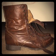 Boots Lace up combat boot in brown. Inside zipper. Steve Madden Shoes Combat & Moto Boots