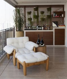 Mole lounge armchair and ottoman by Sergio Rodrigues available at ESPASSO. Midcentury modern and contemporary Brazilian design. Interior Exterior, Home Interior Design, Interior Decorating, Mini Bars, Home Bar Decor, Home Office Decor, Poltrona Design, Comfy Bedroom, Bars For Home