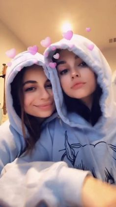 grafika ellise and maggie lindemann