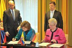 El Banco Interamericano de Desarrollo (BID) aprobó hoy un préstamo de 46 millones de dólares para mejorar la calidad y paliar las desigualdades educativas en Colombia. Ver más en: http://www.elpopular.com.ec/46218-bid-otorga-credito-de-46-millones-dolares-para-mejorar-educacion-en-colombia.html?preview=true&preview_id=46218&preview_nonce=4b52016cbf