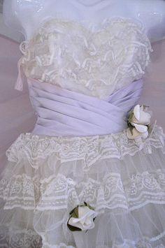 #vintage  Vintage dress #2dayslook #Vintagestyle #Vintagefashiondress  www.2dayslook.com