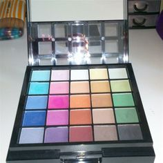 gewoon Hema by  Anne Zijlstra Personal Taste, March 2014, Makeup Tools, Eyeshadow, Box, Style, Swag, Eye Shadow, Snare Drum