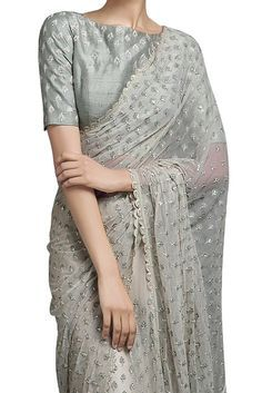 Buy Ivory beige saree with light green blouse by SVA Sonam and Paras Modi at Aza Fashions Tesettür Tunik Modelleri 2020 Trendy Sarees, Stylish Sarees, Fancy Sarees, Simple Sarees, Saree Blouse Neck Designs, Saree Blouse Patterns, Net Saree Blouse, Lace Saree, Indian Attire