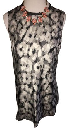 Theory New W/ Tags $55 Size M ** Free Shipping ** Watercolor Reflect Print Sleeveless Silk Swintin Top. Free shipping and guaranteed authenticity on Theory New W/ Tags $55 Size M ** Free Shipping ** Watercolor Reflect Print Sleeveless Silk Swintin TopA versatile, sleeveless woven-silk top in a dreamy...