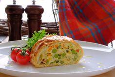 Závin s vajíčkovo-zeleninovou plnkou Baked Potato, Potatoes, Bread, Baking, Ethnic Recipes, Food, Hampers, Potato, Brot