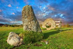 Picture Gallery of Men-An-Tol Neolithic standing Stones, Cornwall, England