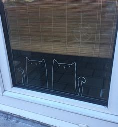 Kittens drawing by Jade D. - - Angebote für kinder - Kittens # window drawing by Jade D. Chalk Pens, Chalk Markers, Chalk Art, Chalkboard Window, Window Markers, Window Art, Store Displays, Home And Deco, Jade